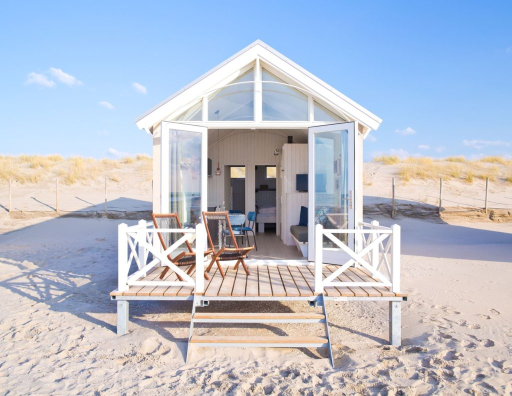 de leukste strandhuisjes aan de kust dagboek van nofruit. Black Bedroom Furniture Sets. Home Design Ideas
