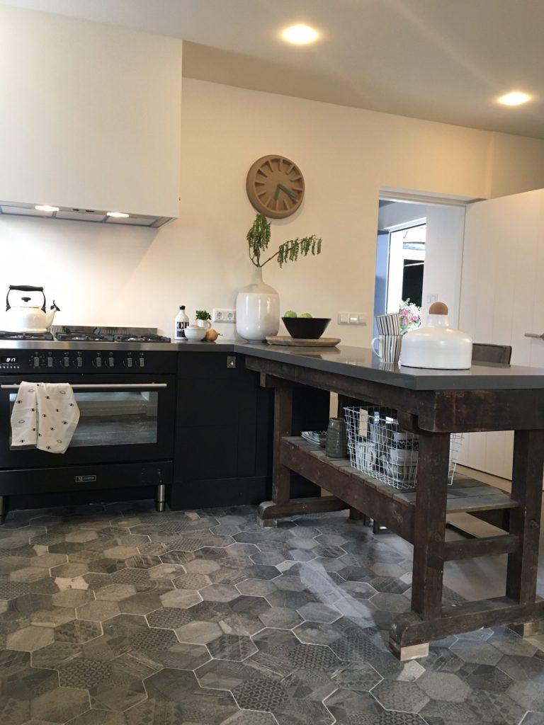 Houten keuken werkbank inspiratie het beste interieur - Keuken in het oude huis ...